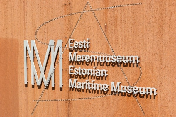 Schild des estnischen Meeresmuseum in Tallinn
