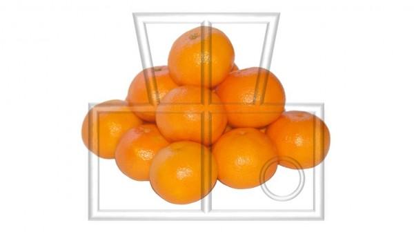 quadratische Pyramide aus 14 Clementinen
