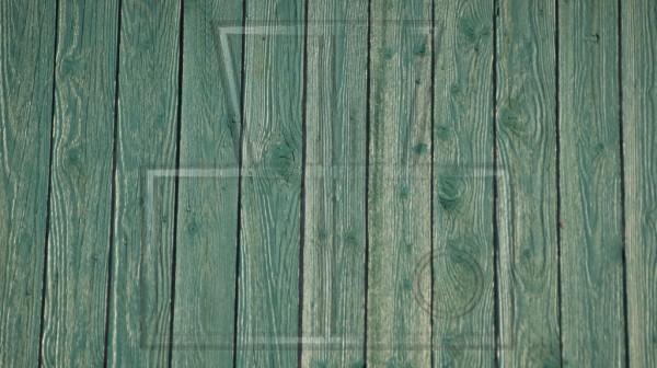 grün gefärbte Kiefernbretter
