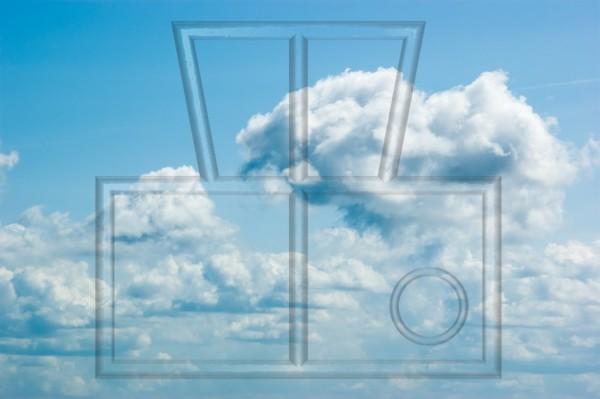 Cumuluswolken und leicht diesig