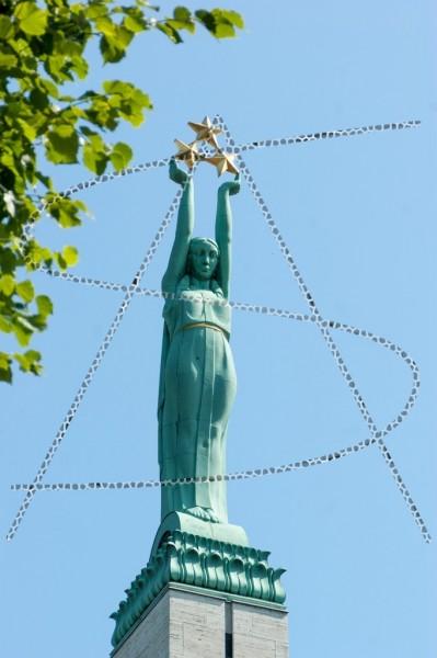 Allegorie der Freiheit auf dem lettischen Freiheitsdenkmal in Riga